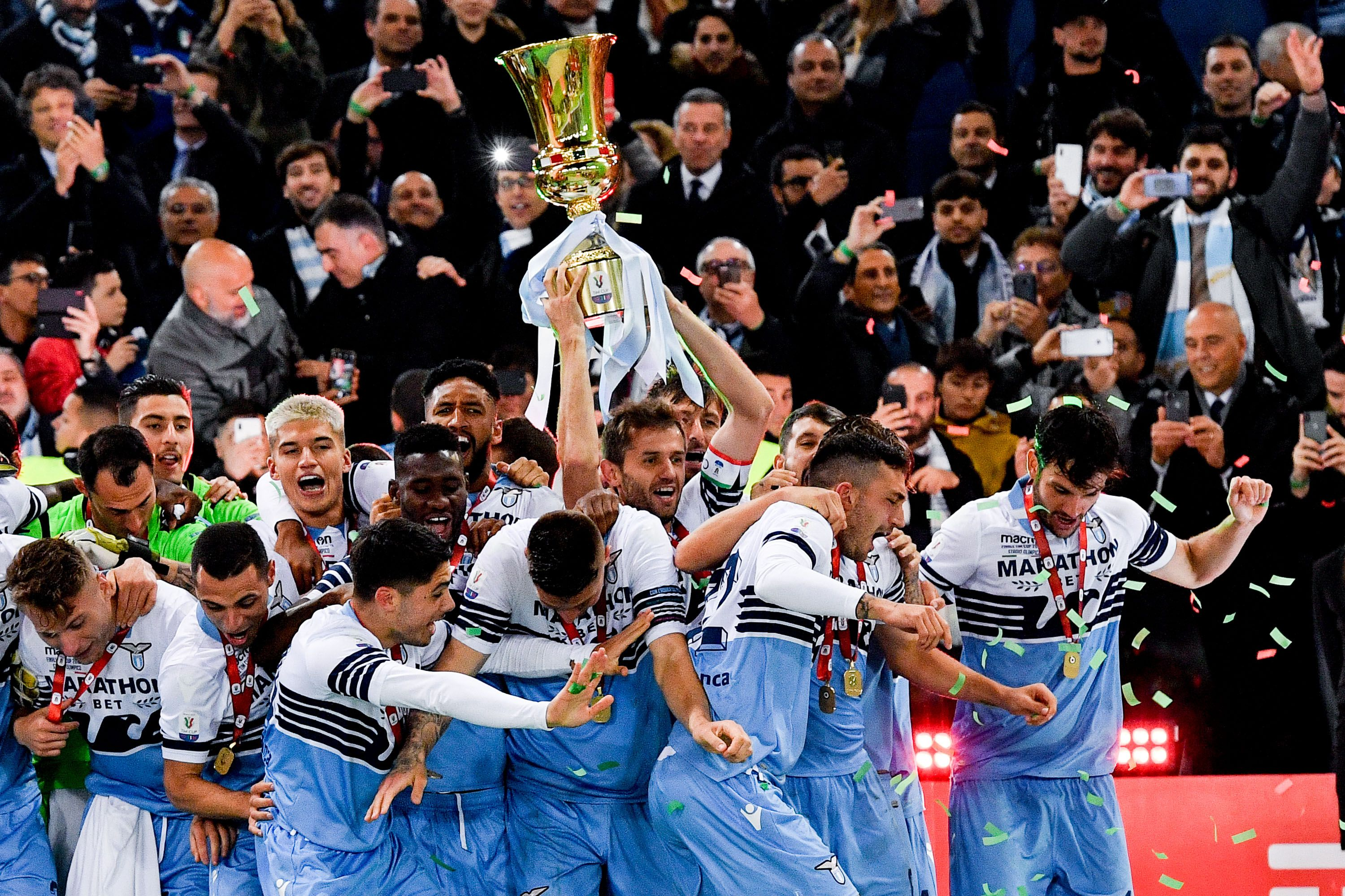 Senad Lulic of SS Lazio celebrates with his teammates with the cup at the end of the Italian Cup Final match between Atalanta and Lazio at Stadio Olimpico, Rome, Italy on 15 May 2019. Photo by Giuseppe Maffia.//UKSPORTSPICS_1813.783/1905161237/Credit:Maffia/UK Sports Pics/SIPA/1905161239